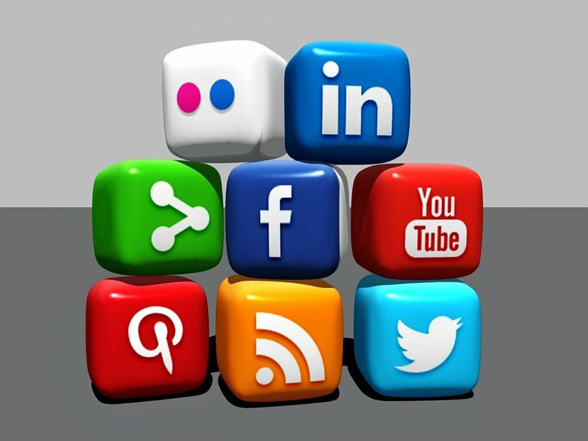 relation client reseaux sociaux - SFAM Magazine
